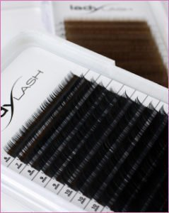 classic lashes category image